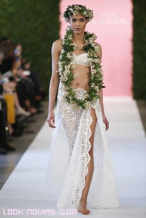 vestido de novia estilo crop-top y falda de encajes