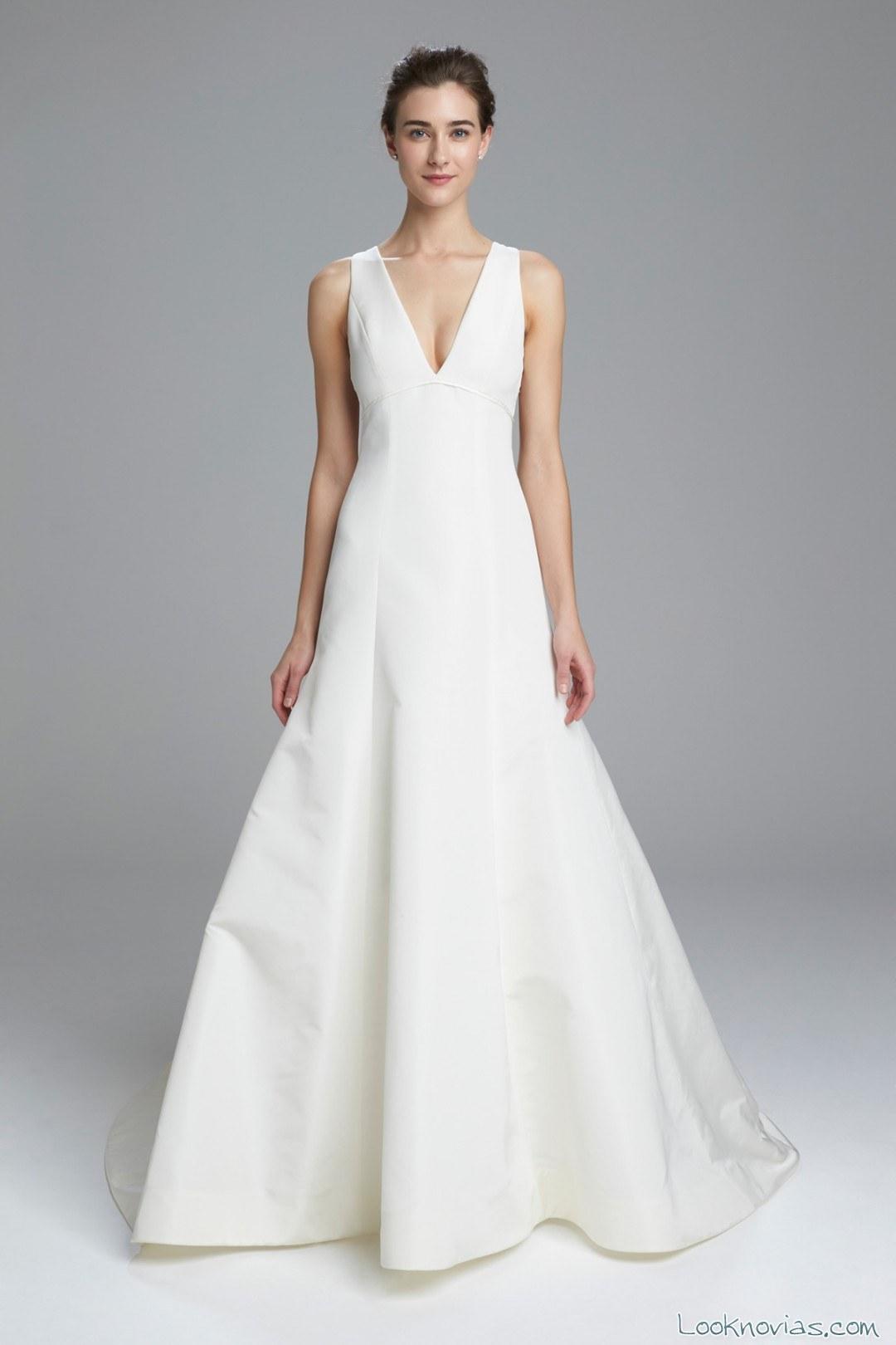 vestido de novia liso con tirantes amsale
