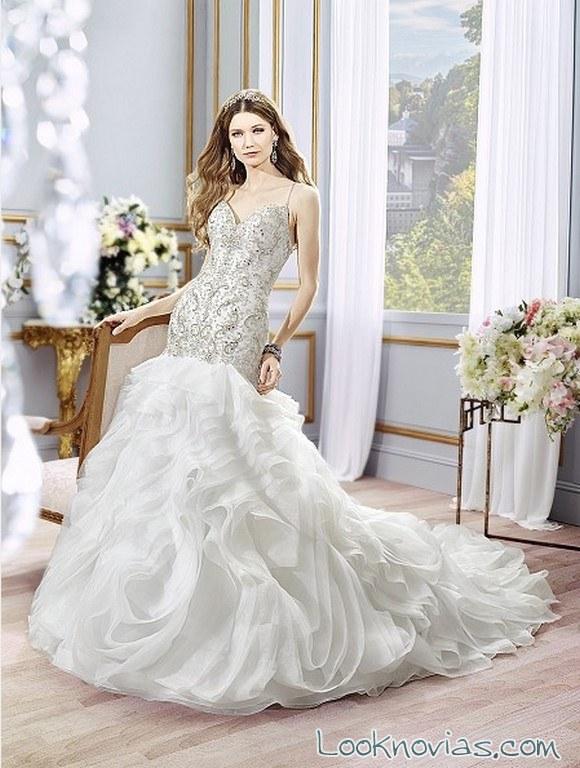 vestido de novia moonlight con volantes
