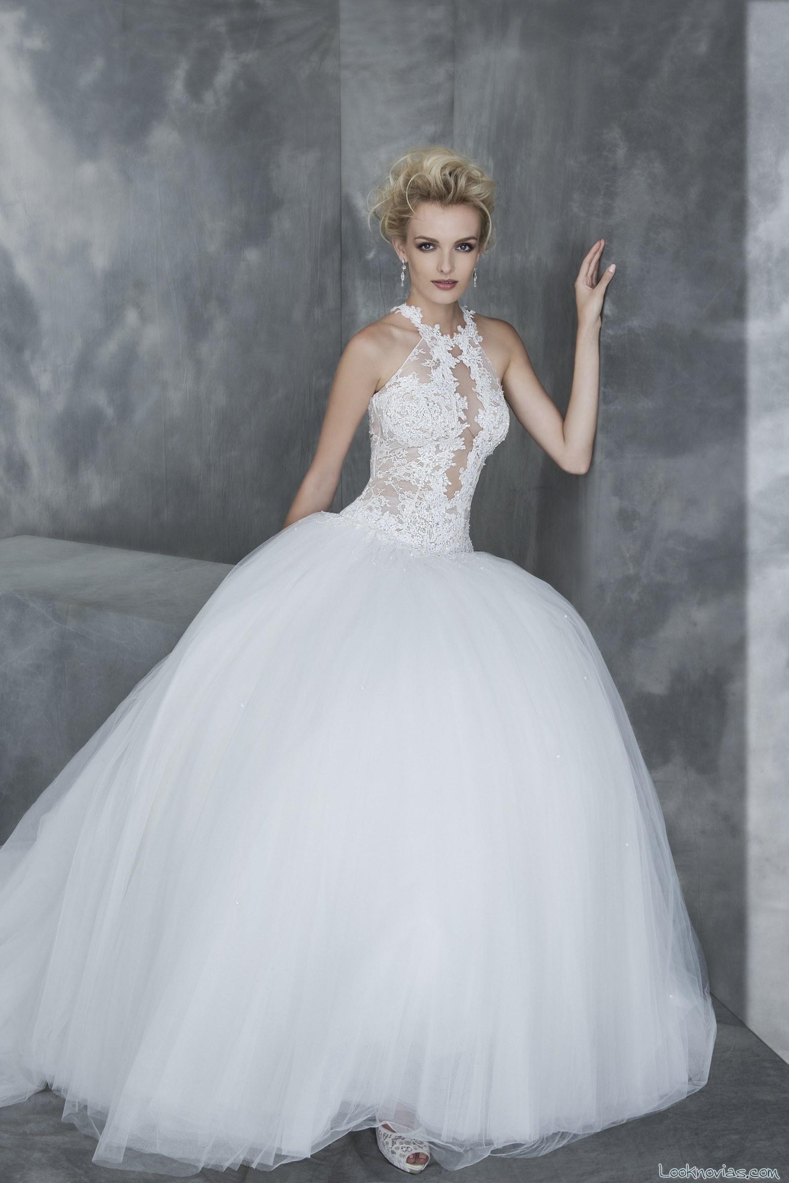 vestido de novia princesa con escote halter
