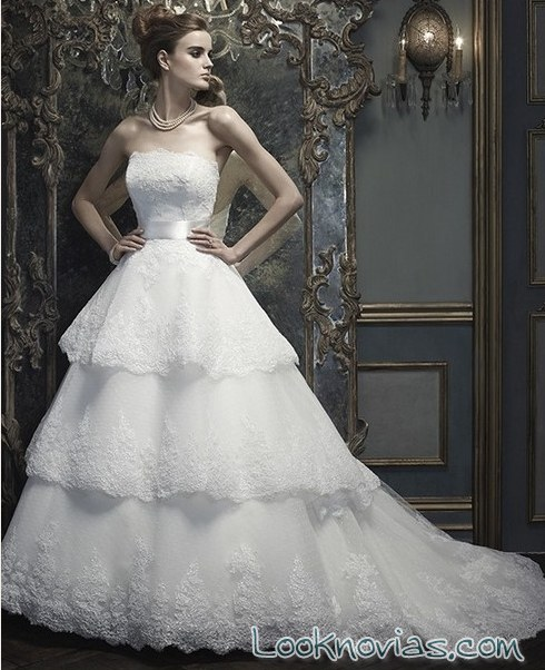 vestido de novia princesa con volantes