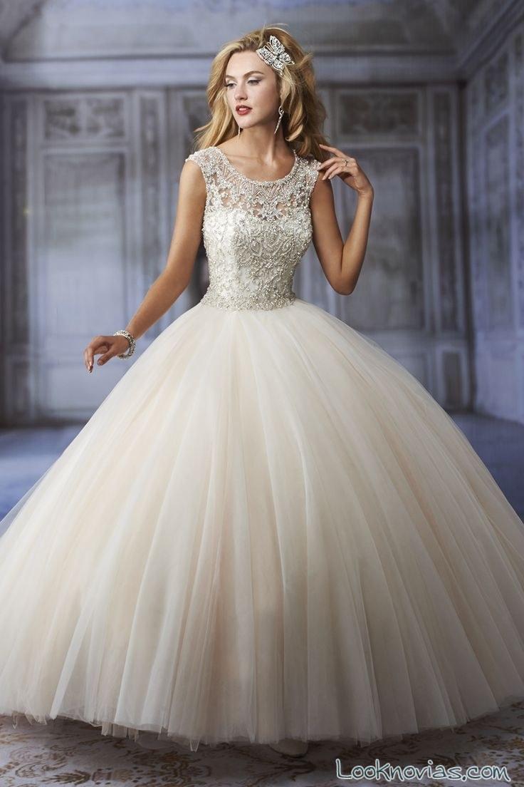 vestido de novia princesa de karelina sposa en color