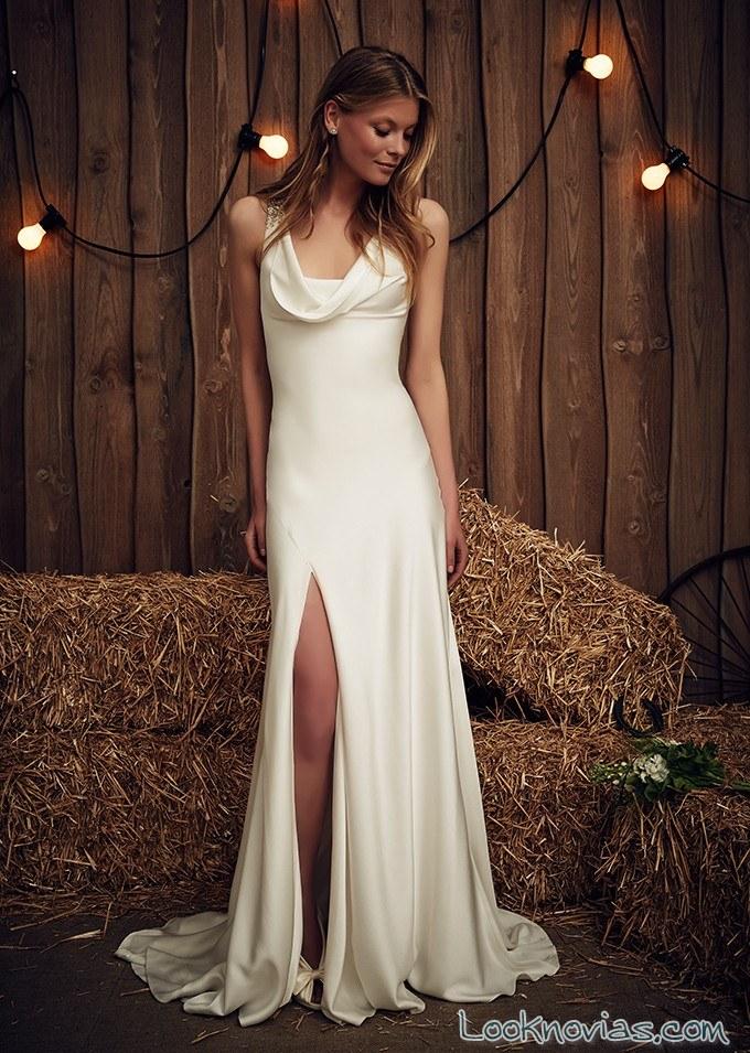 vestido de novia recto con aberturas