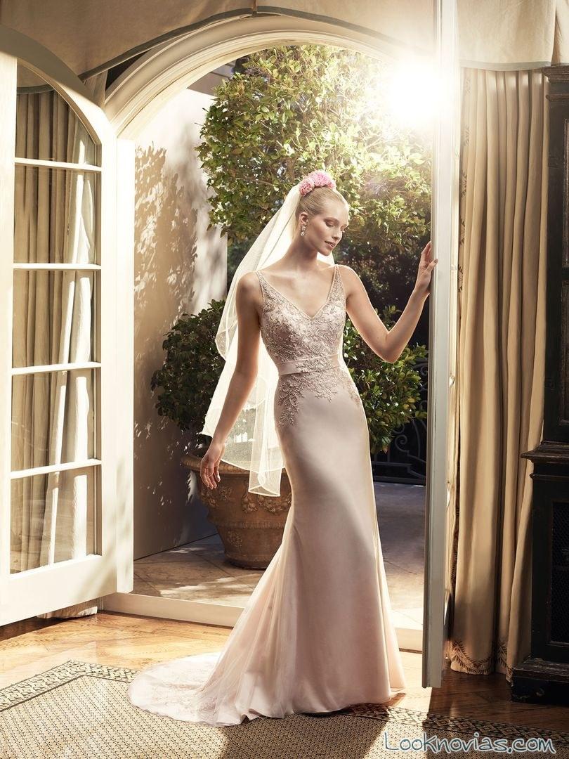 vestido de novia recto en color de casablancabridal