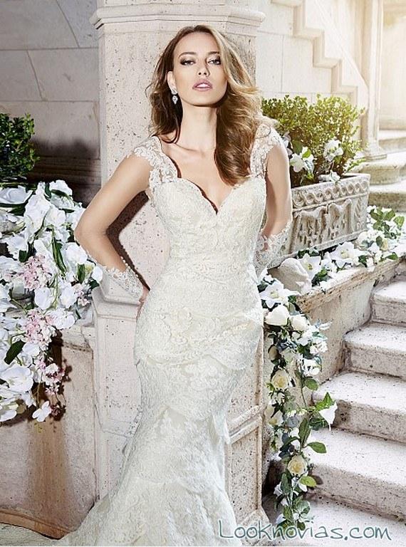 vestido de novia recto y con tirantes de moonlight