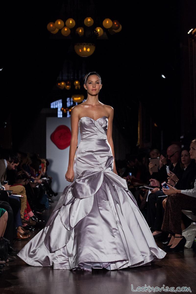 vestido de novia satinado y abullonado