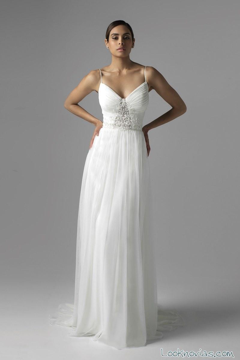 vestido de tirantes muy finos para novias