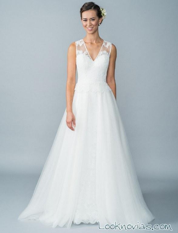 vestido de tul con tirantes anchos para novias