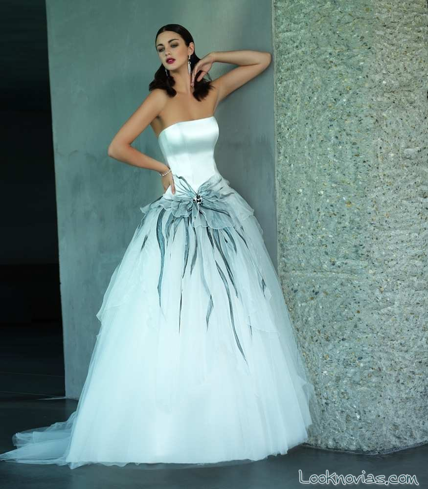 vestido de tul en color de valentini spose