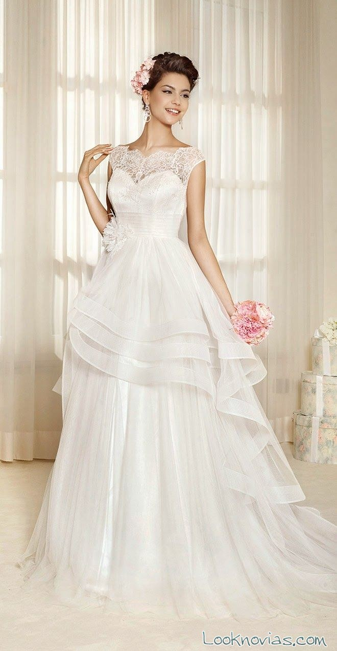 vestido delsa con escote de encaje