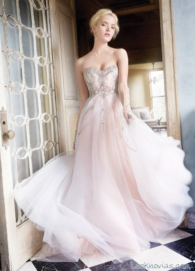 vestido en color de gasa alvina valenta
