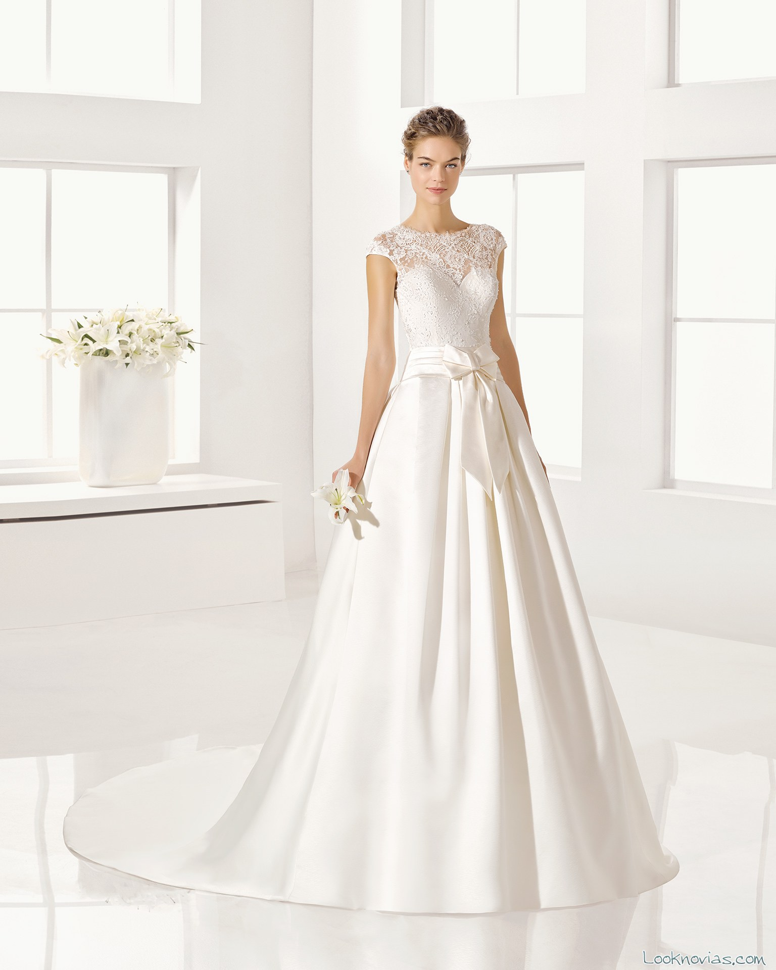 vestido evasé alta costura alma novia