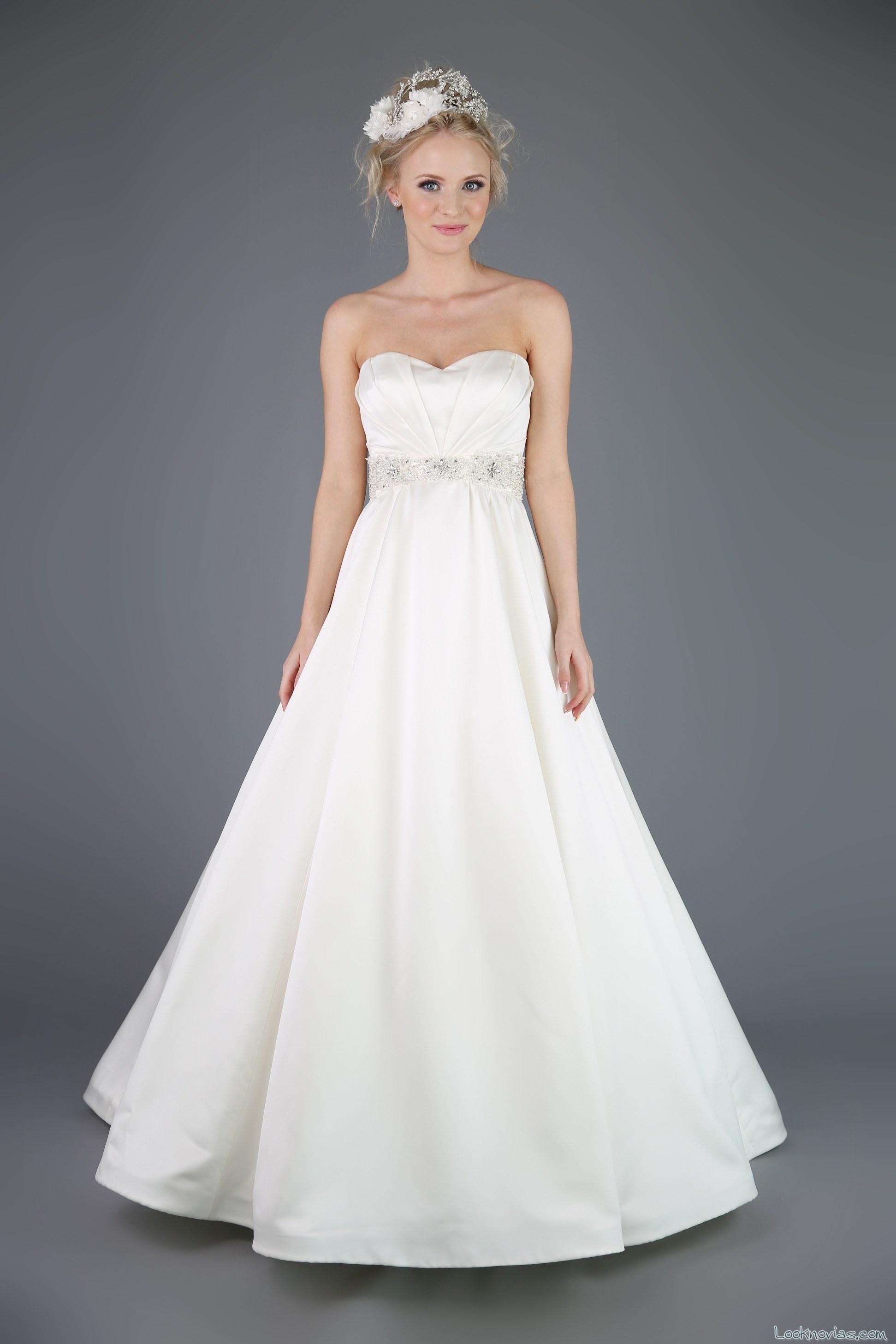 vestido evasé corte corazon emma bridals