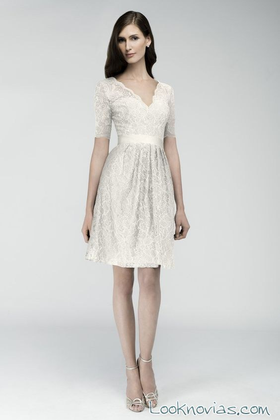vestido evasé corto para novias