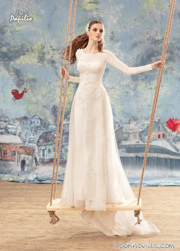 vestido evasé de novia con mangas papilio