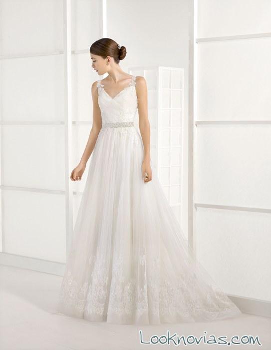vestido evasé de tul para novias