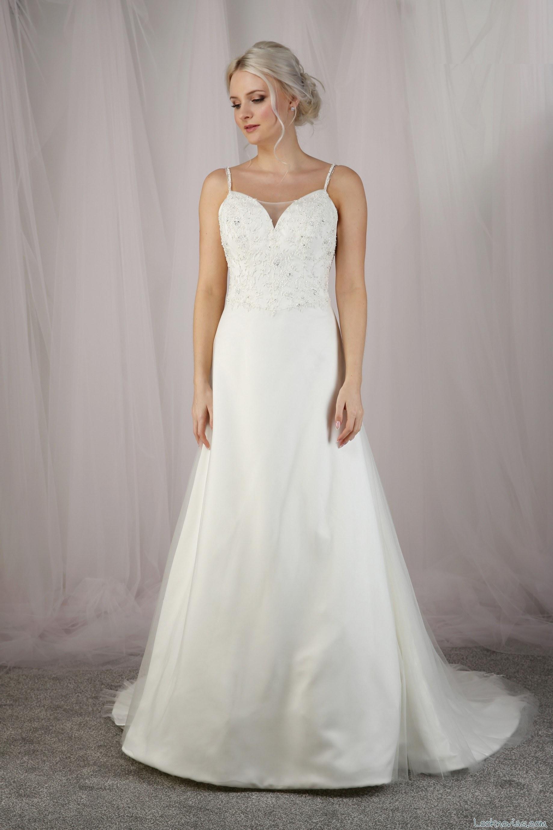 vestido evasé en blanco para novias otoño 2017