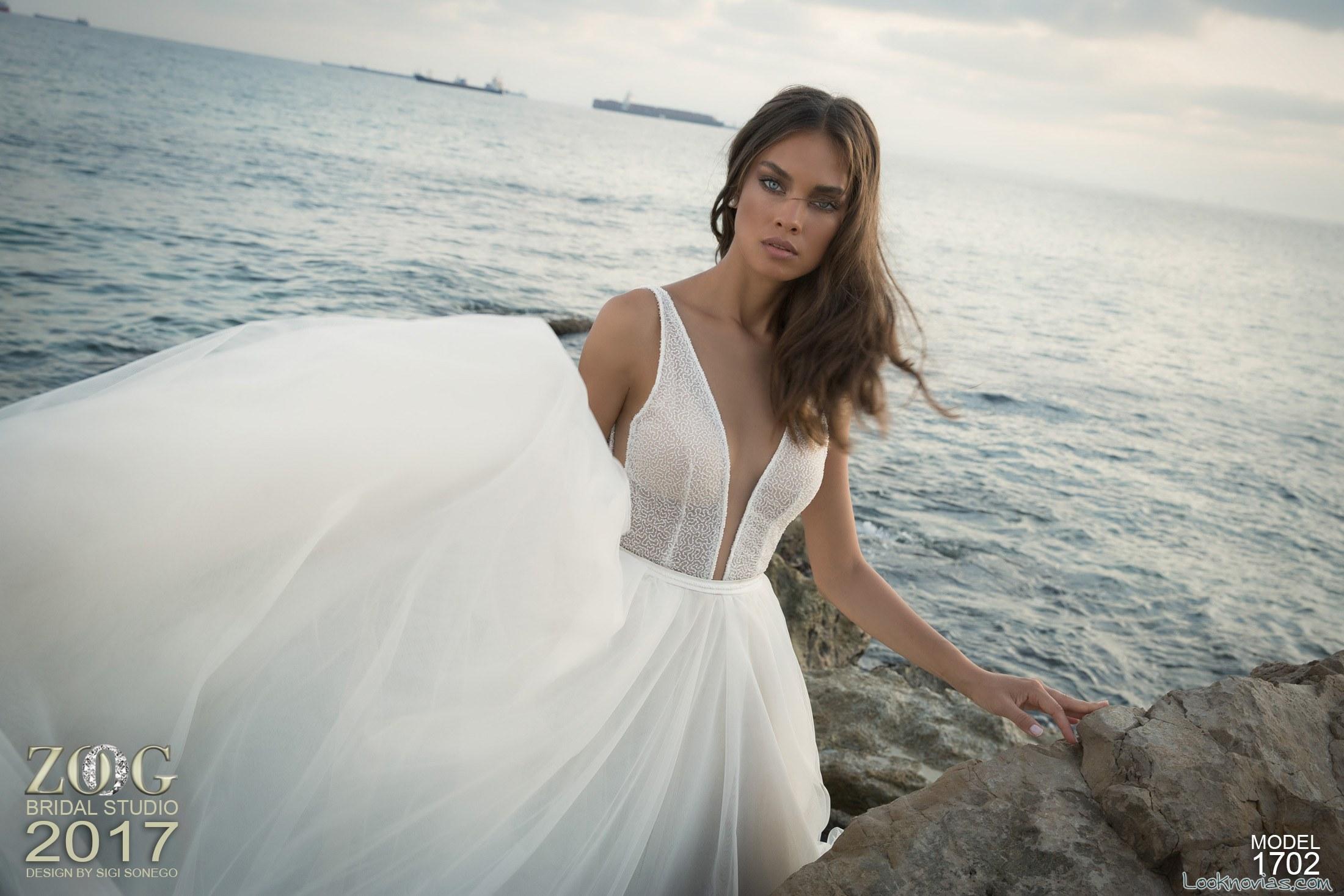 vestido falda vaporosa con escote a pico