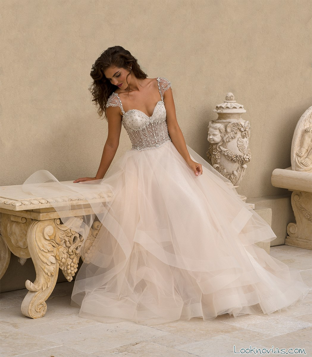 vestido falda volumen eve of milady