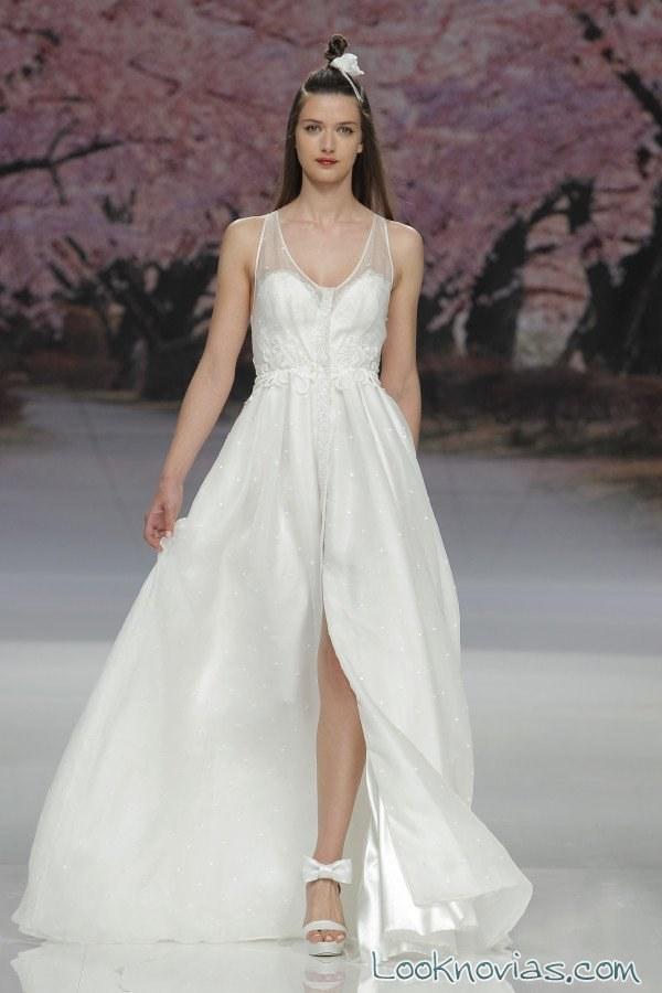 vestido inmaculada garcía con aberturas