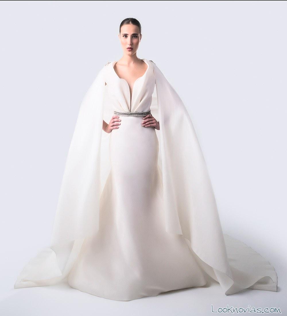 vestido isabel zapardiez con capa