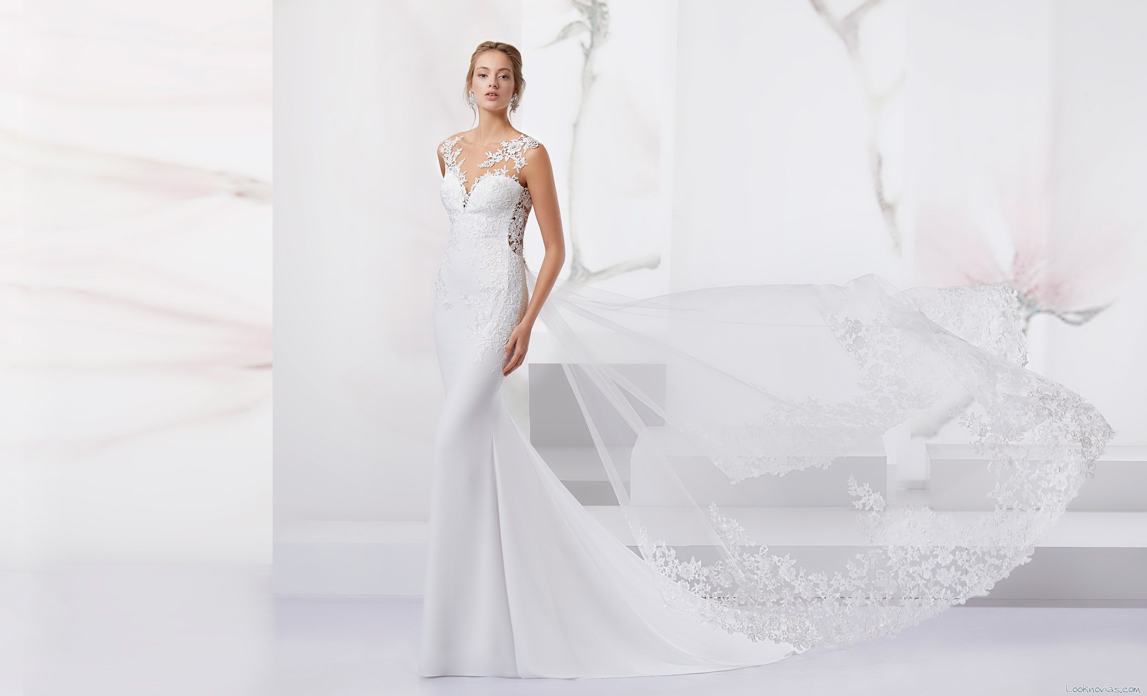 vestido jolies novias con escote fantasía