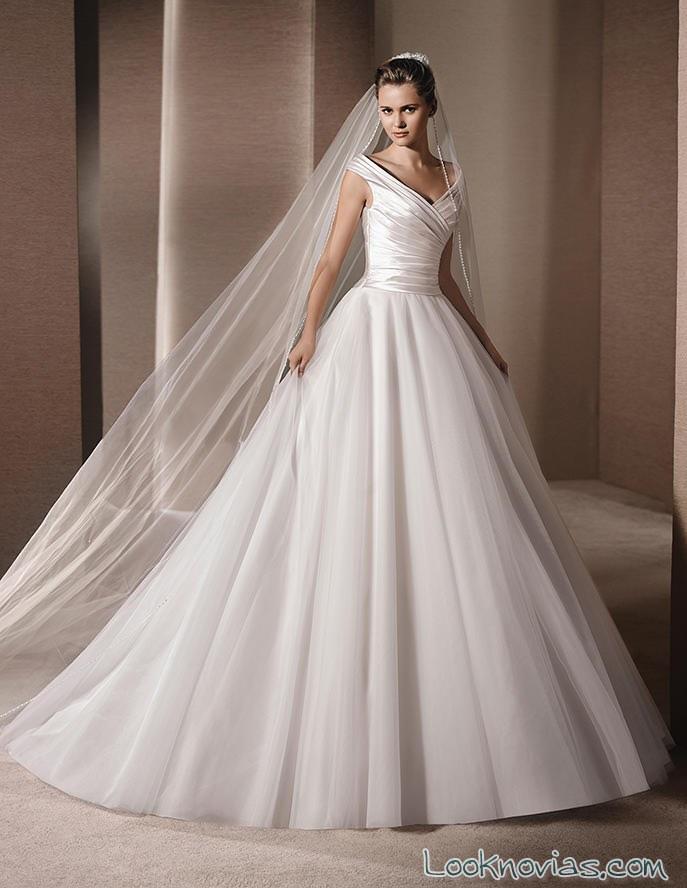 vestido la sposa con falda plisada