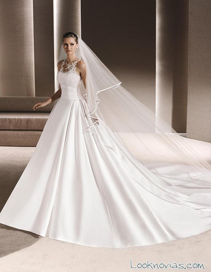 vestido la sposa con tejido satinado