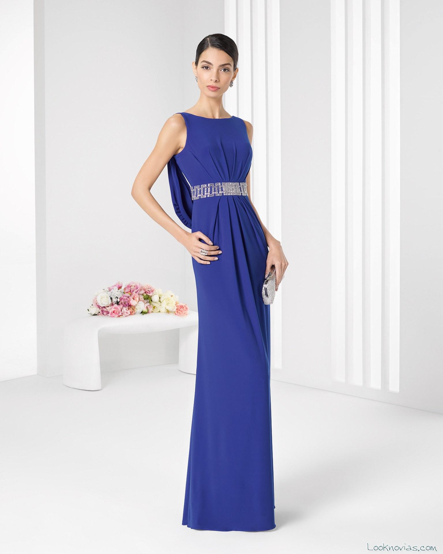 vestido largo azul real de rosa clará