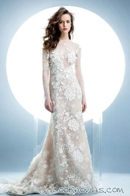 vestido largo recto con encajes para novia