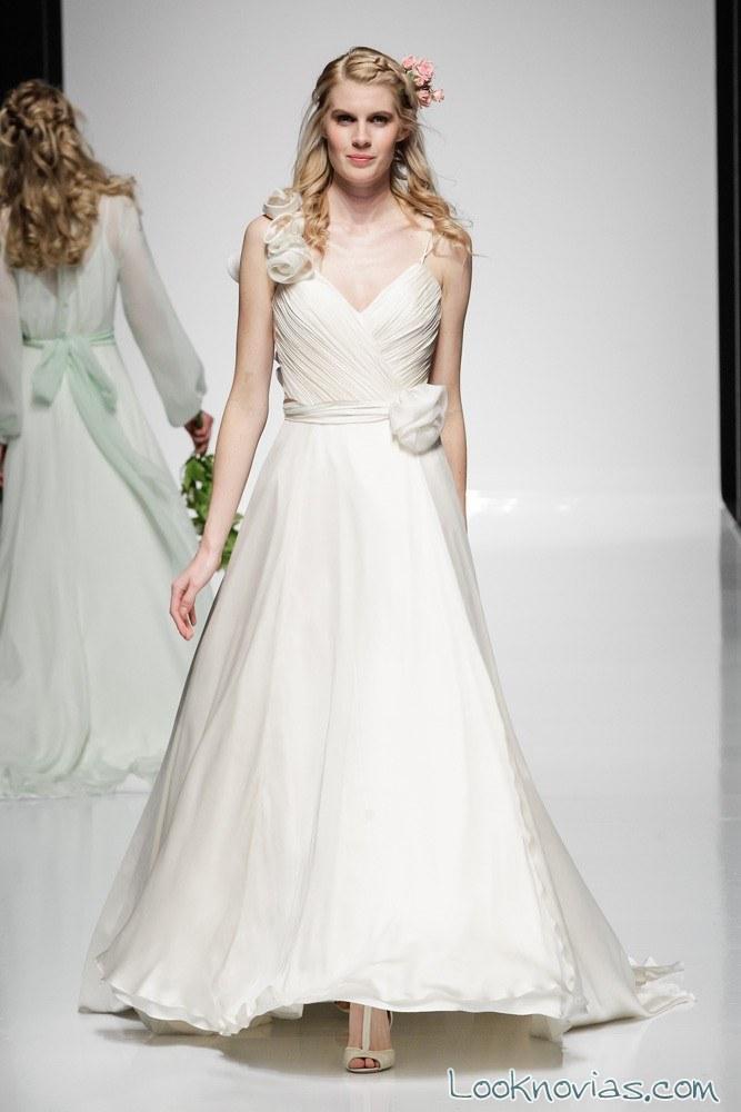 vestido largo y sencillo para novias