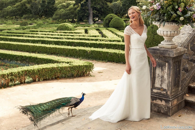 vestido marylise con manga corta para novias