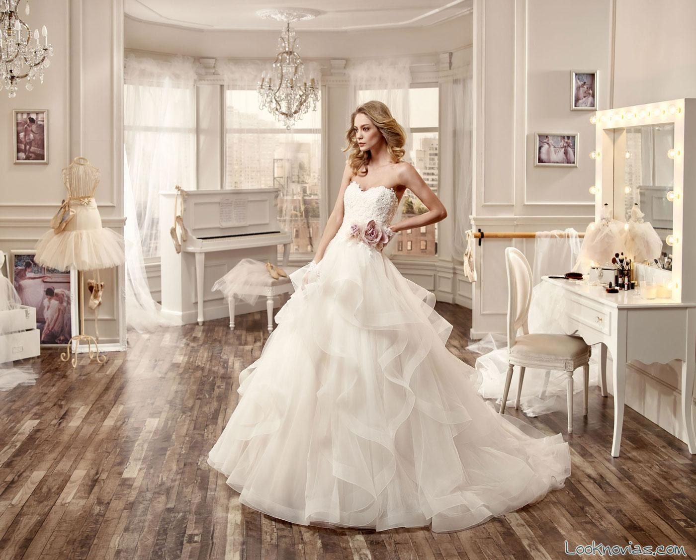 vestido nicole spose con volantes
