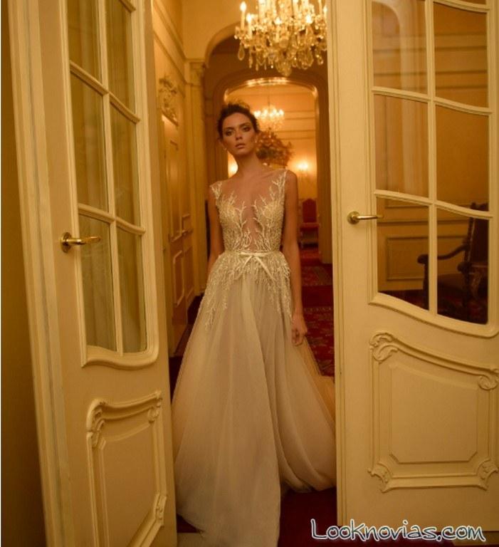 vestido novia alta costura con escote fantasía