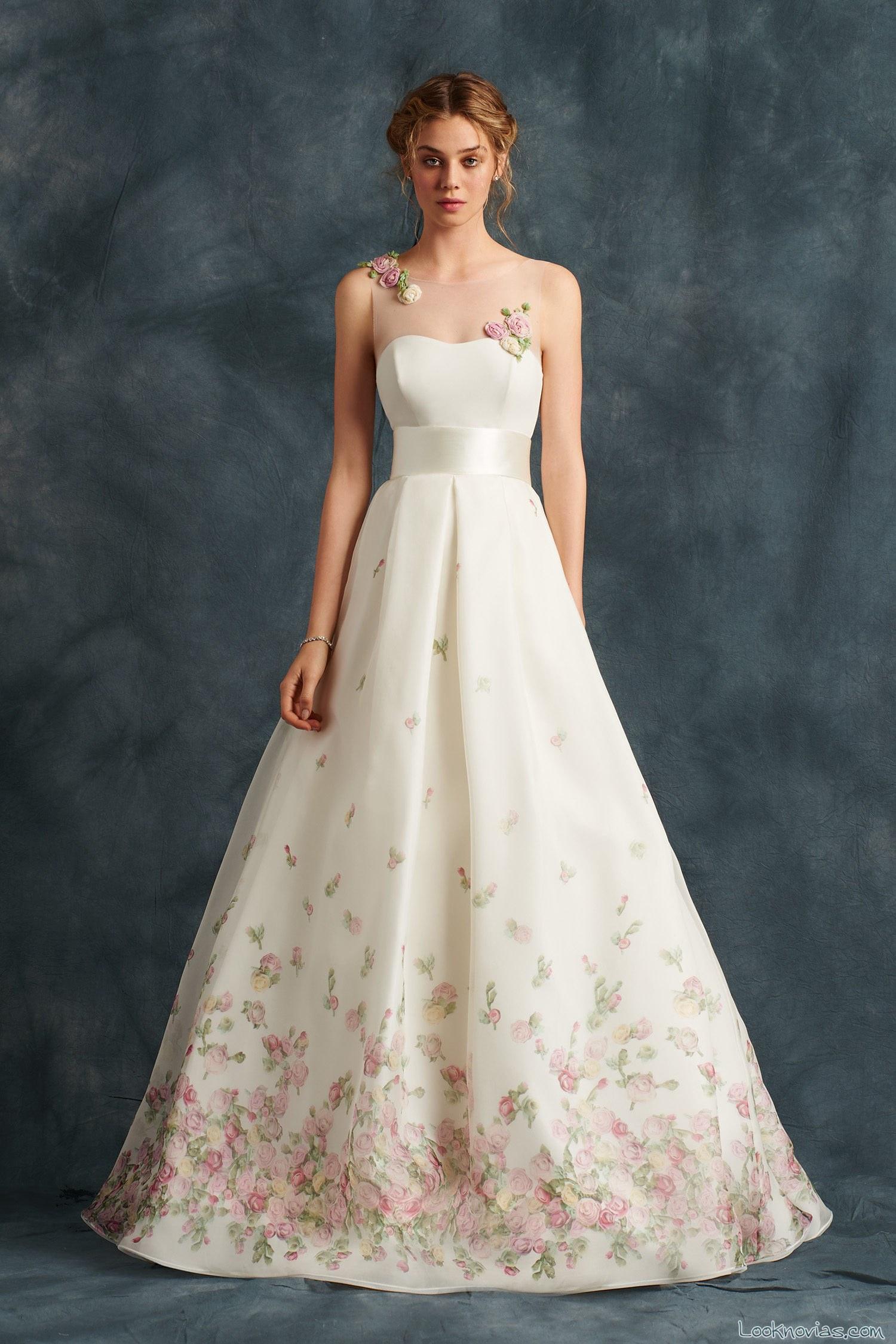 vestido novia con flores grandes en colores