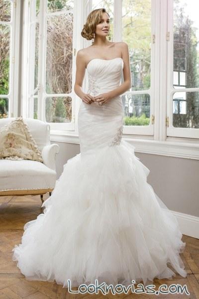 vestido novia corte sirena con volantes