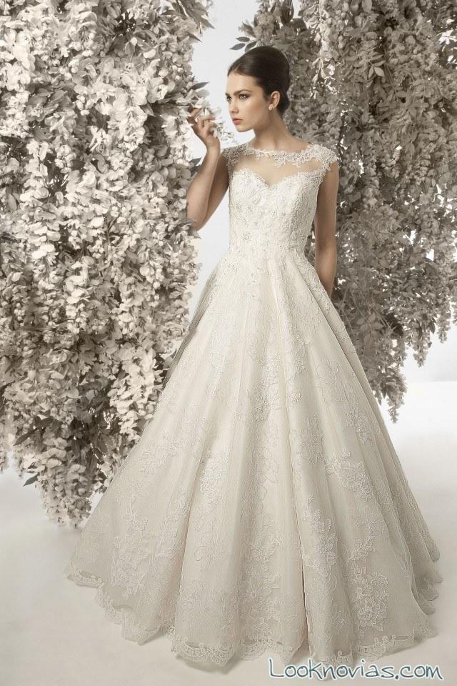 vestido novia evasé escote fantasía