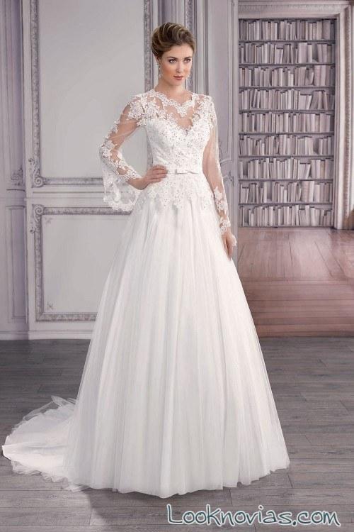vestido novia plisado con mangas anchas