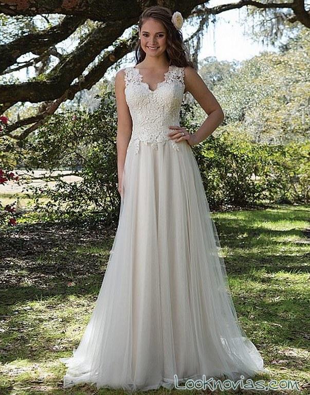 vestido novia plisado con tirantes anchos