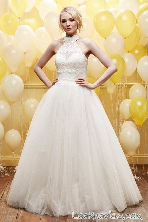 vestido novia princesa con cuello halter
