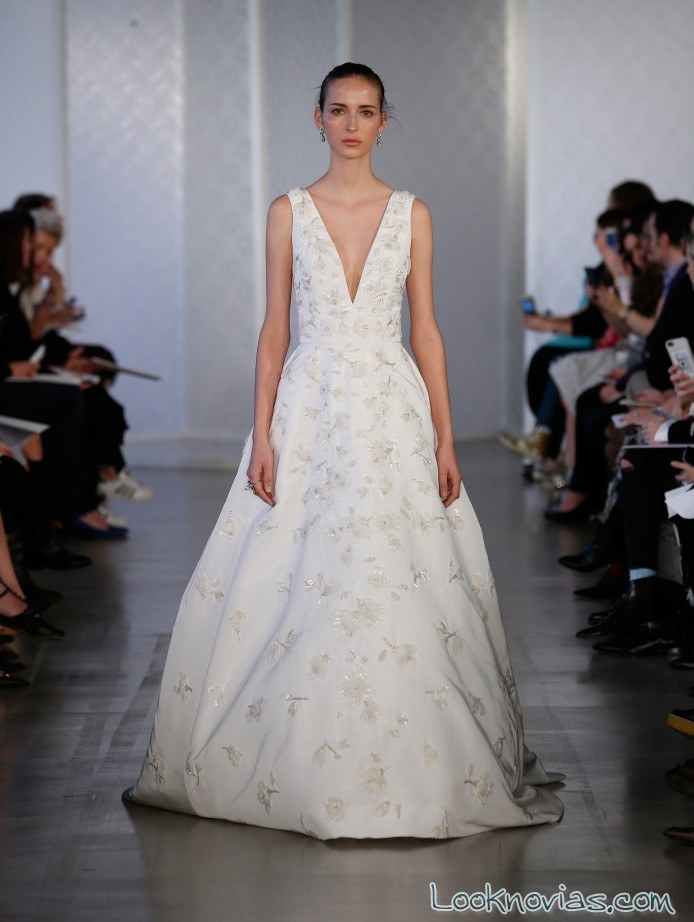 vestido novia tirantes y escote a pico oscar de la renta