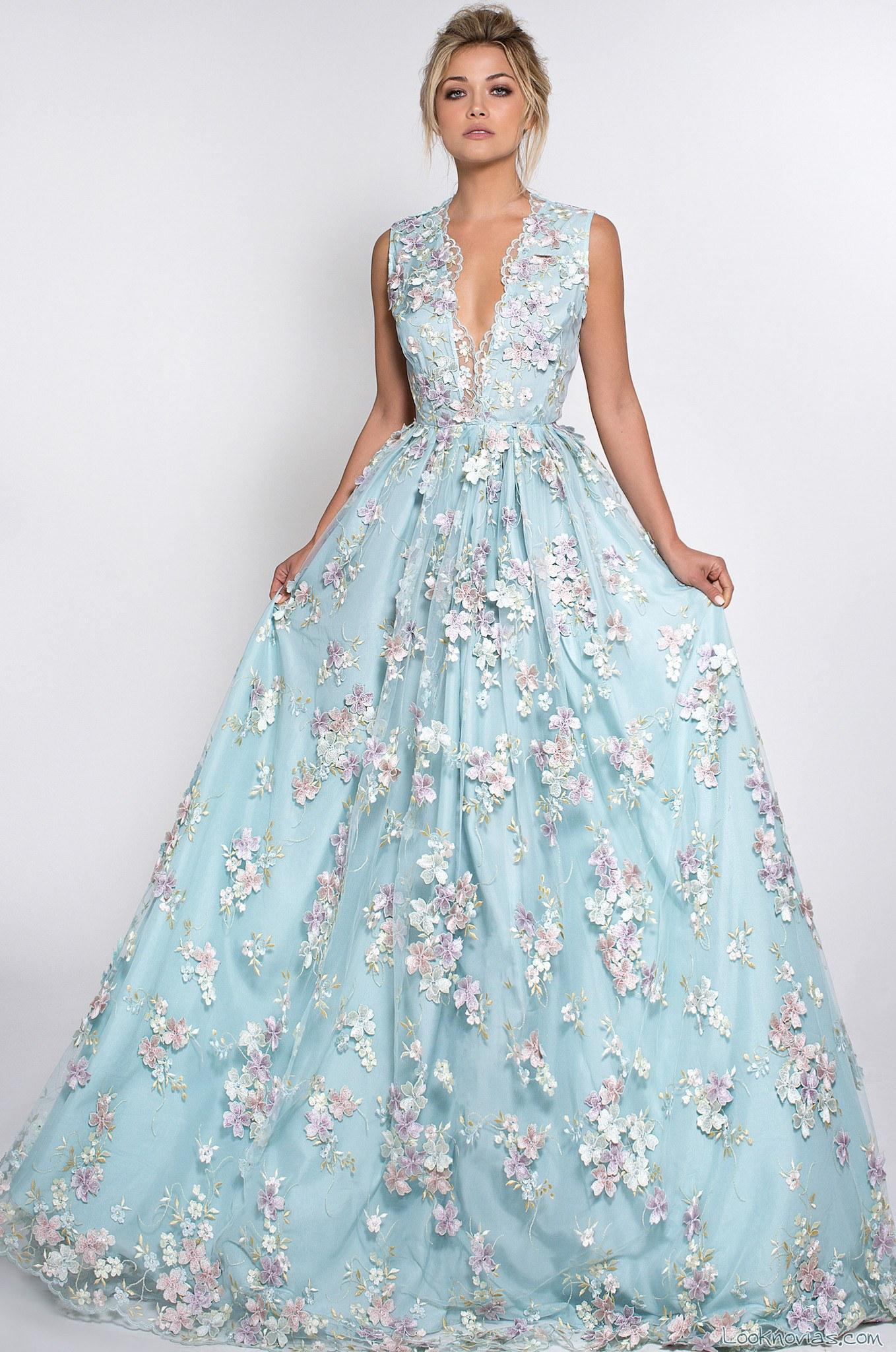 vestido novias azul con apliques