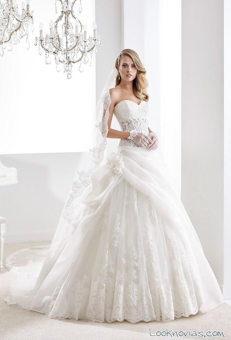 vestido para novia con falda drapeada