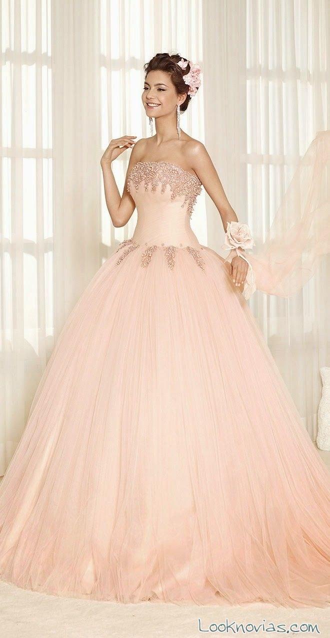 vestido para novias en color de Delsa
