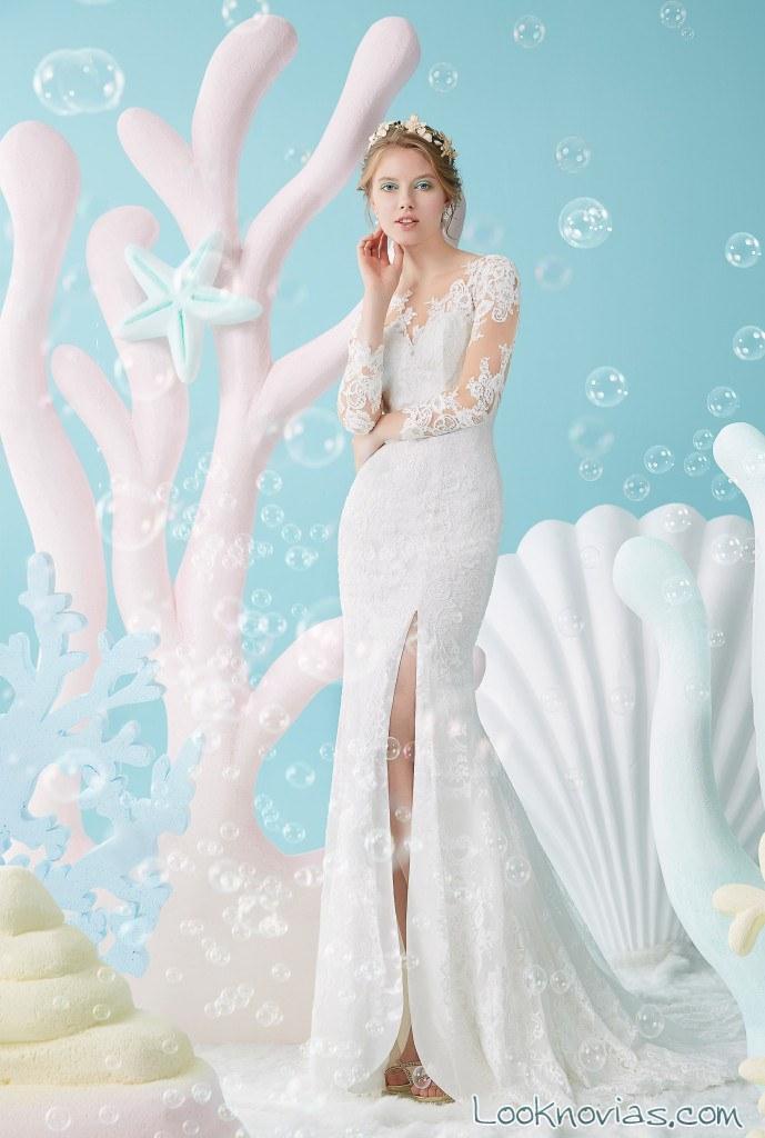 vestido recto con abertura en la falda