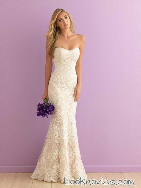 vestido recto con encajes de estilo romántico