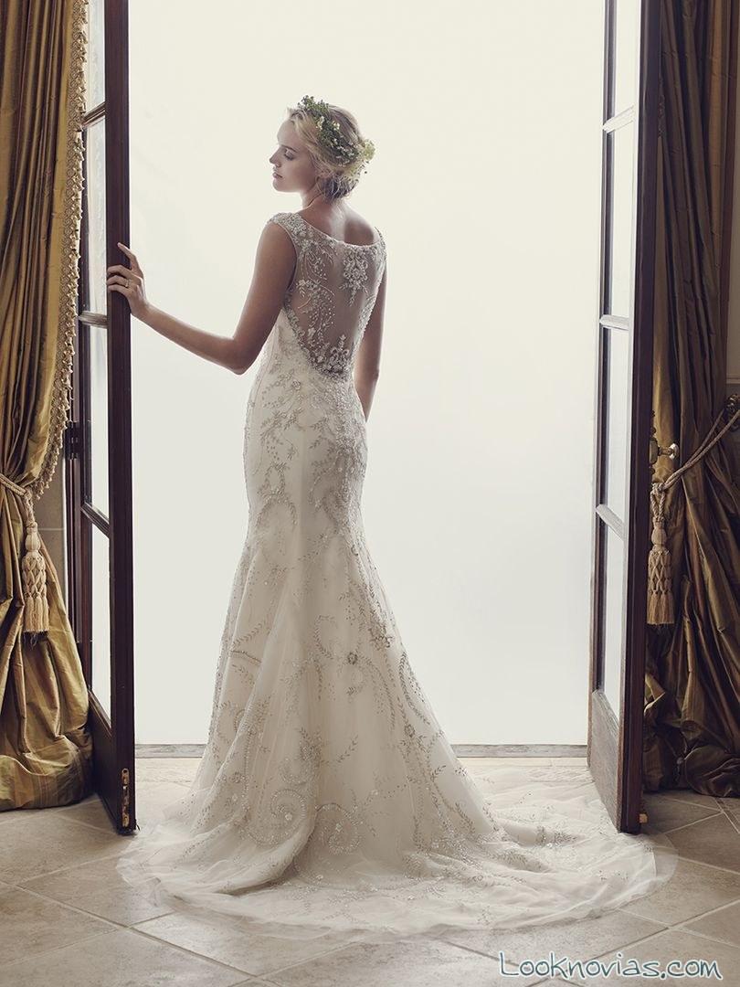 vestido recto con escote en espalda casablanca bridal