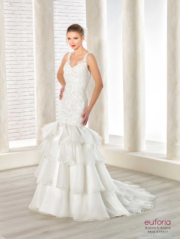vestido recto con volantes para novias