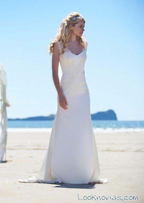 vestido recto de novia con tirantes