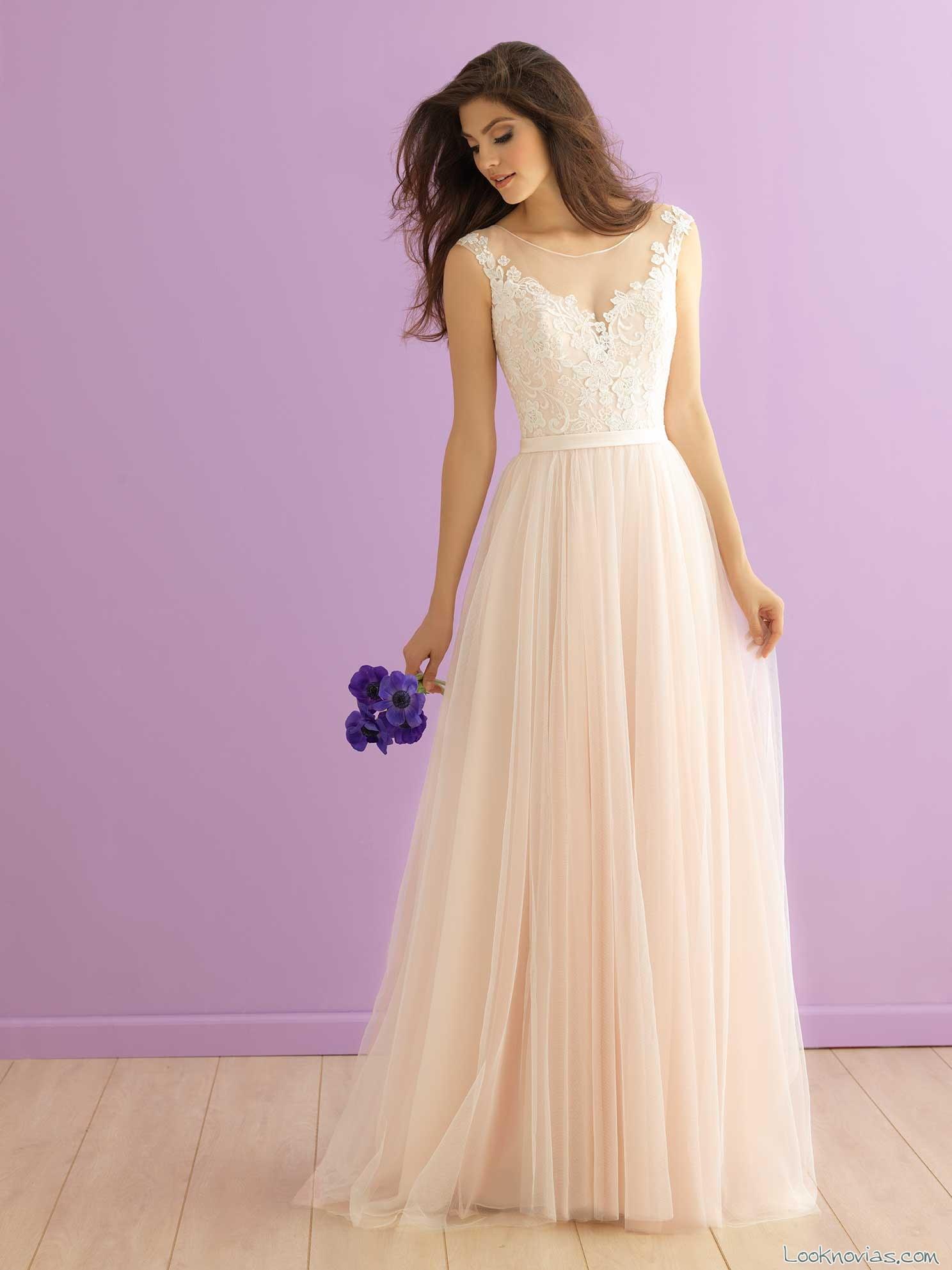 vestido recto de tul para novias románticas